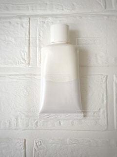 白いボトルの写真・画像素材[3967663]