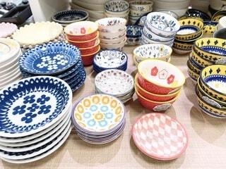 たくさんの食器の写真・画像素材[4195864]