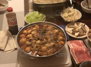 家族団欒で火鍋の写真・画像素材[2876140]