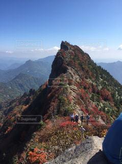 秋の石鎚山の写真・画像素材[2376785]
