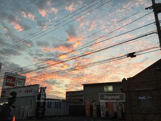 市街地から見る空の写真・画像素材[2376786]