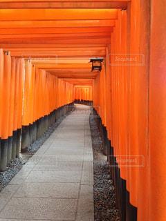 大きなオレンジ色の建物 - No.826090