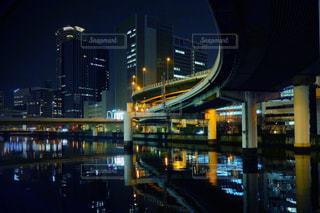 夜の街の眺めの写真・画像素材[2951316]