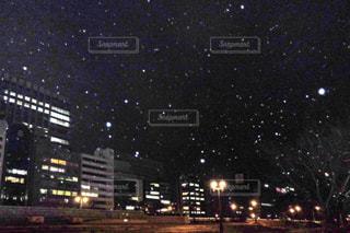 雪のビジネス街の写真・画像素材[2962151]