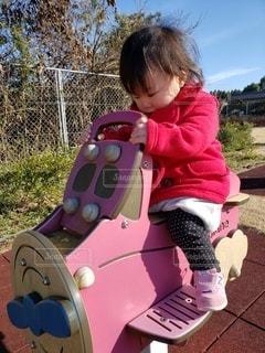公園で遊ぶ女の子の写真・画像素材[3006321]
