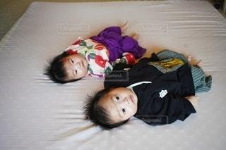 双子の百日祝いの一枚。の写真・画像素材[3249765]