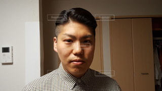 ガッチガチに固めたヘアスタイル(フロント)の写真・画像素材[3606438]