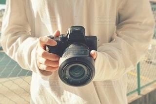 カメラをもっている人。の写真・画像素材[4317444]