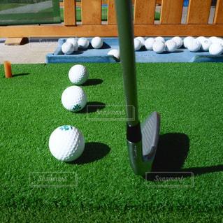 ゴルフボールの写真・画像素材[2400465]