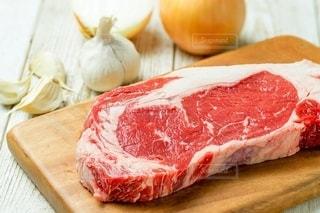 牛ステーキ肉の写真・画像素材[2392941]