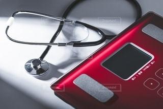 体重計と聴診器の写真・画像素材[2720862]