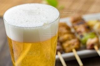ビールと焼き鳥の写真・画像素材[2757679]