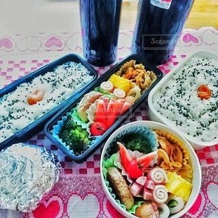 2人分のお弁当の写真・画像素材[3053951]