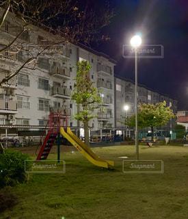夜の公園の滑り台。の写真・画像素材[2726832]