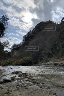 チバニアンへ行く為の飛び石の写真・画像素材[2928991]