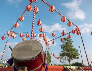 祭りの舞台と和太鼓の写真・画像素材[2497141]