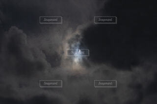2020年6月21日に沖縄で撮った部分日食の写真・画像素材[4026021]