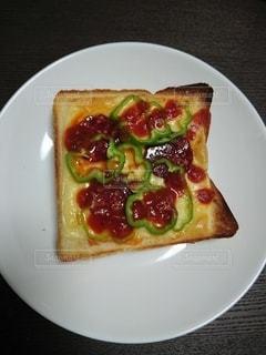 手作りピザトーストの写真・画像素材[2404377]