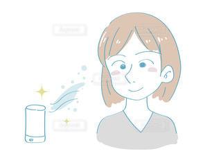 加湿器を使う女性の写真・画像素材[2509682]