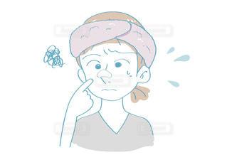 毛穴パック(白)をする女性 悩み顔の写真・画像素材[2637990]
