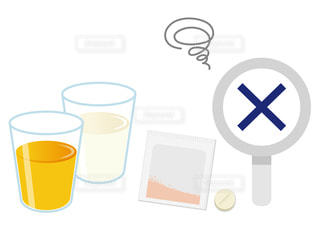 薬と飲み合わせが悪い例 オレンジジュース 牛乳の写真・画像素材[3607344]