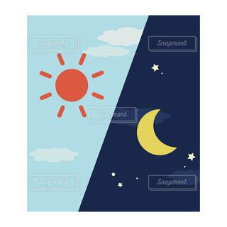 シンプルな朝と夜のイメージ 角型アイコン(左上から朝、夜)の写真・画像素材[3690438]