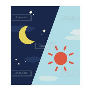 シンプルな朝と夜のイメージ 角型アイコン(左上から夜、朝)の写真・画像素材[3690437]