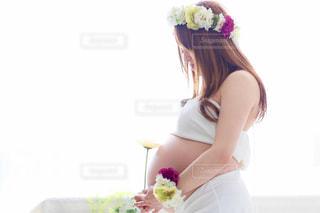 妊娠した女性の写真・画像素材[2447275]
