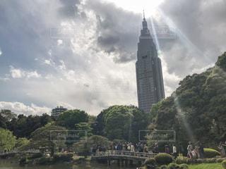 曇りの日の城の写真・画像素材[2410916]