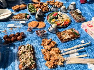 花見の食べ物の写真・画像素材[2410917]