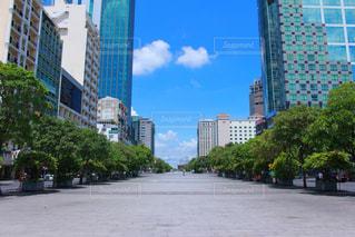 都会の高い建物の写真・画像素材[2404980]