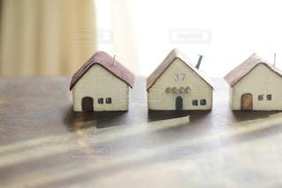 かわいいミニチュアの家の模型の写真・画像素材[2407256]