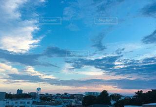 都会の空の写真・画像素材[2408068]