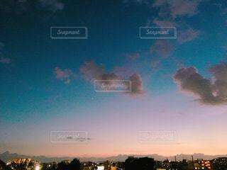 都市の夕日の写真・画像素材[2408071]