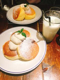 プレーンのパンケーキの写真・画像素材[2408109]