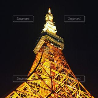 下からの東京タワーの写真・画像素材[2408111]