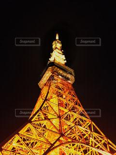 下からの東京タワーの写真・画像素材[2408112]