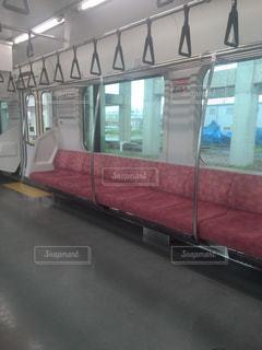 列車の窓の写真・画像素材[2408799]