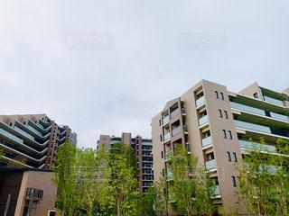 高層ビルのある街の眺めの写真・画像素材[2417801]