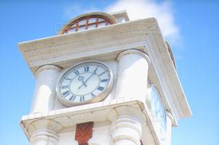 白い時計塔の写真・画像素材[2411652]