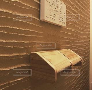 薩摩中霧島塗り壁 トイレ 檜 塗り壁の写真・画像素材[2805150]