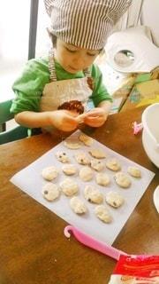 3歳のクッキー作りの写真・画像素材[2956799]