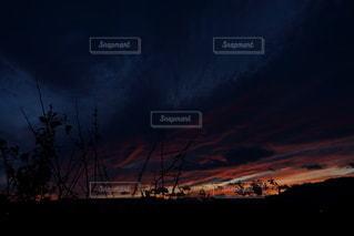 夜の夕焼けの写真・画像素材[2511090]