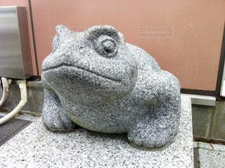 カエルの石像の写真・画像素材[2427932]