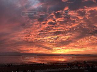 切ない夕日の写真・画像素材[2434730]
