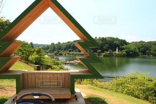 水の体に架かる橋の写真・画像素材[4566960]