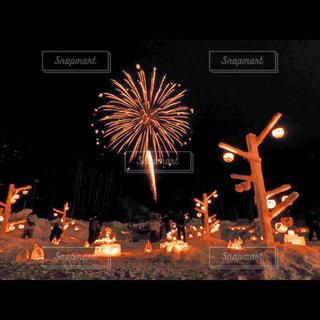 夜空の花火の写真・画像素材[2944864]