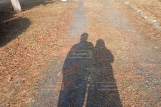 男女の影の写真・画像素材[2445118]