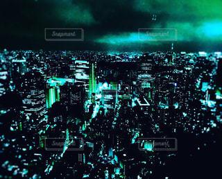 幻想的な都会の夜景の写真・画像素材[2420859]