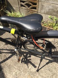 錆びたクロスバイクの写真・画像素材[2421891]